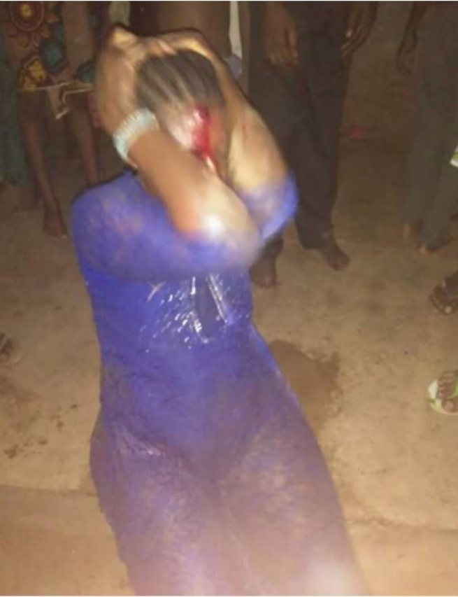 Jungle Justice: Female kidnapper stripped, beaten by angry mob - PURE ENTERTAINMENT
